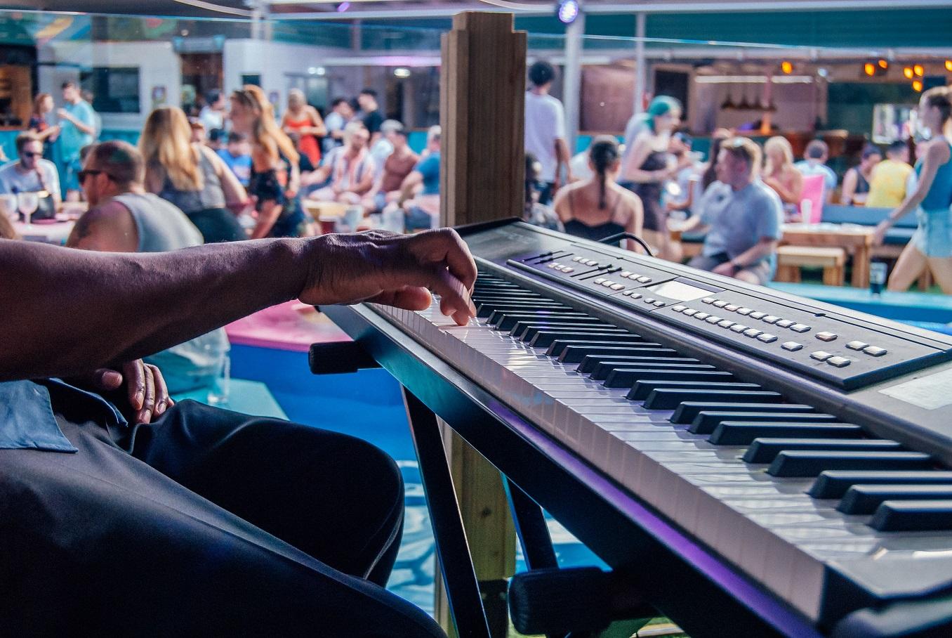 Skegness Pier - Live Entertainment
